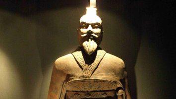 Statue-of-emperor-Qin